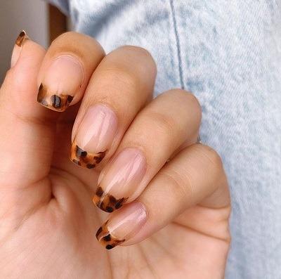 uñas con puntas en carey