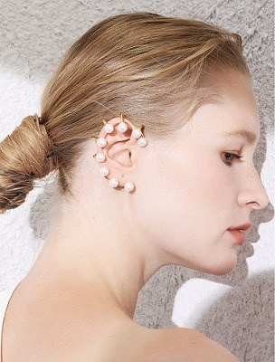aretes en la oreja de moda para mujer